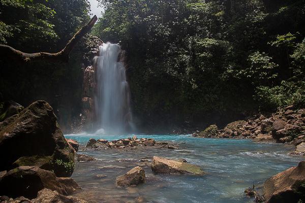 Rio-celeste-cascata-waterfall