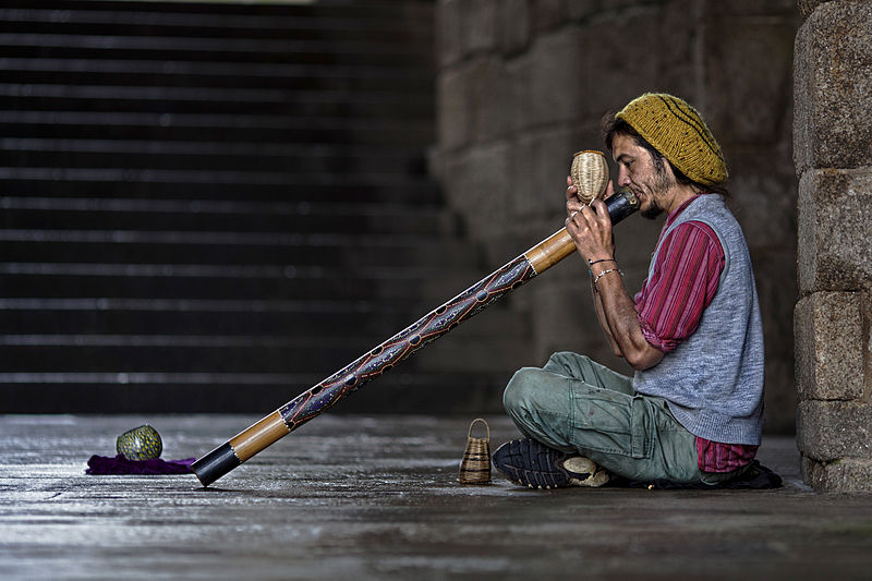 suonatore-Didgeridoo