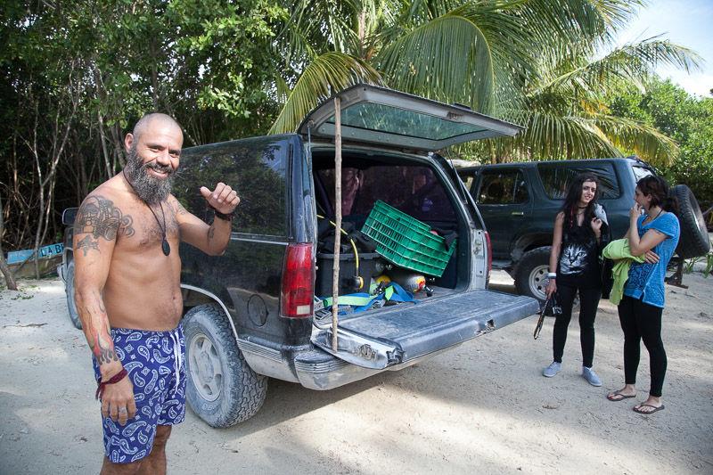 Rodrigo diving Tulum