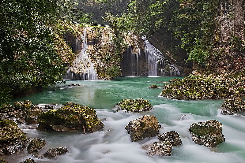 semuc-champey-waterfall_opt