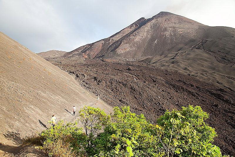 vulcano-pacaya-antigua
