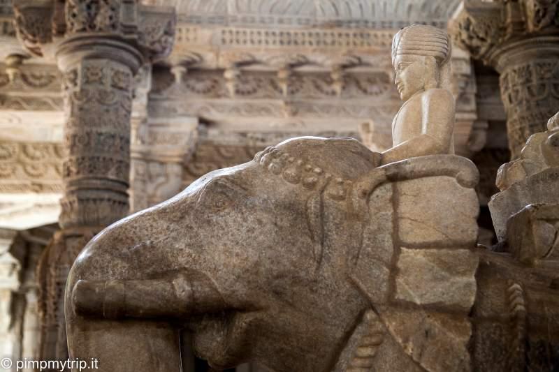 scultura templi ranakpur