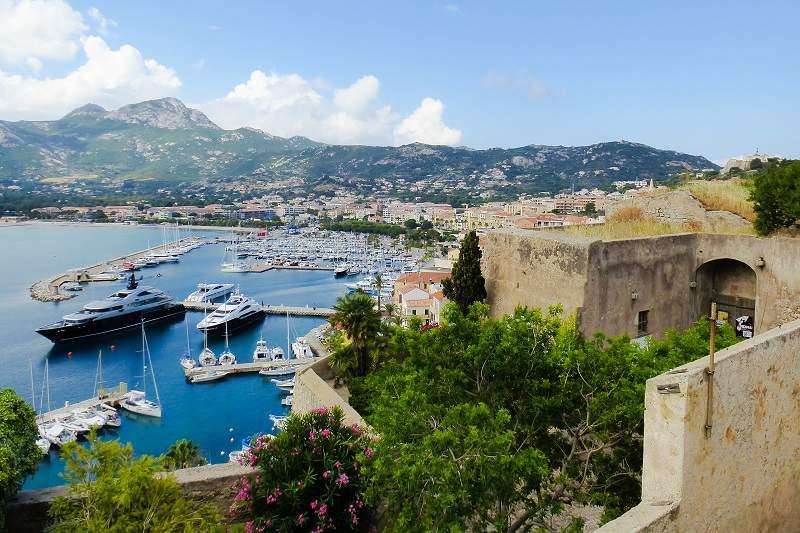 La Corsica in moto Calvi