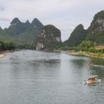 Bamboo Rafting sul Fiume Li da Guilin a Yangshuo