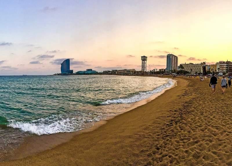 barceloneta-spiaggia