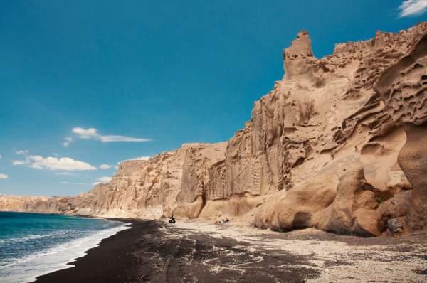 spiaggia-romantica-santorini-vlychada