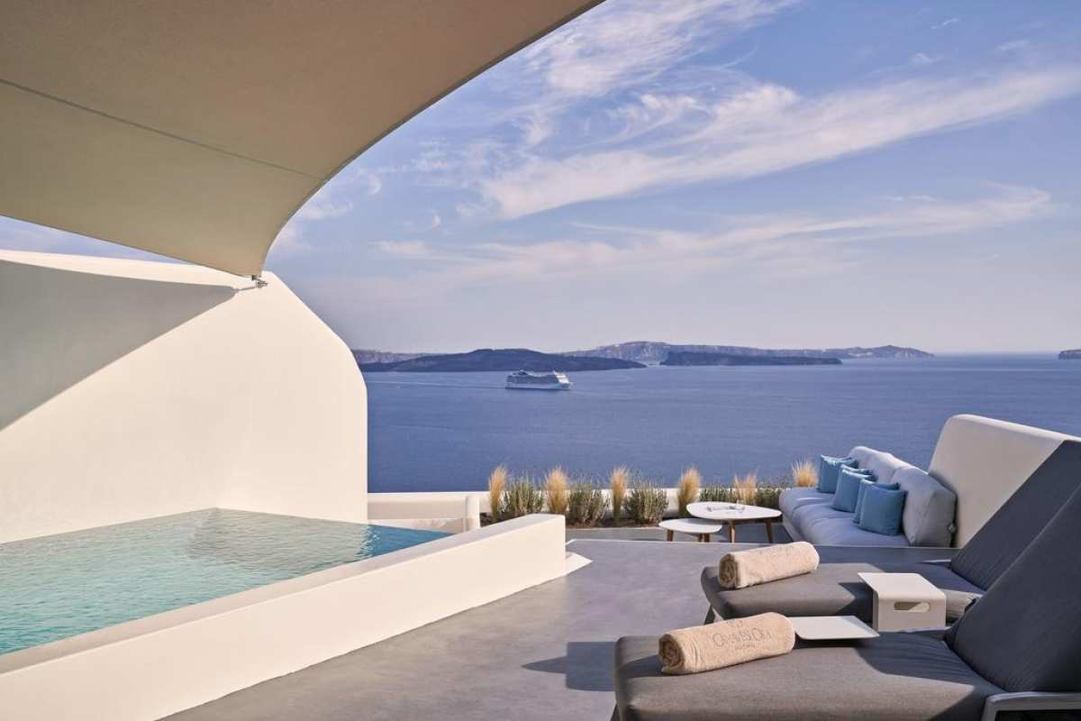 canaves-oia-suites-santorini