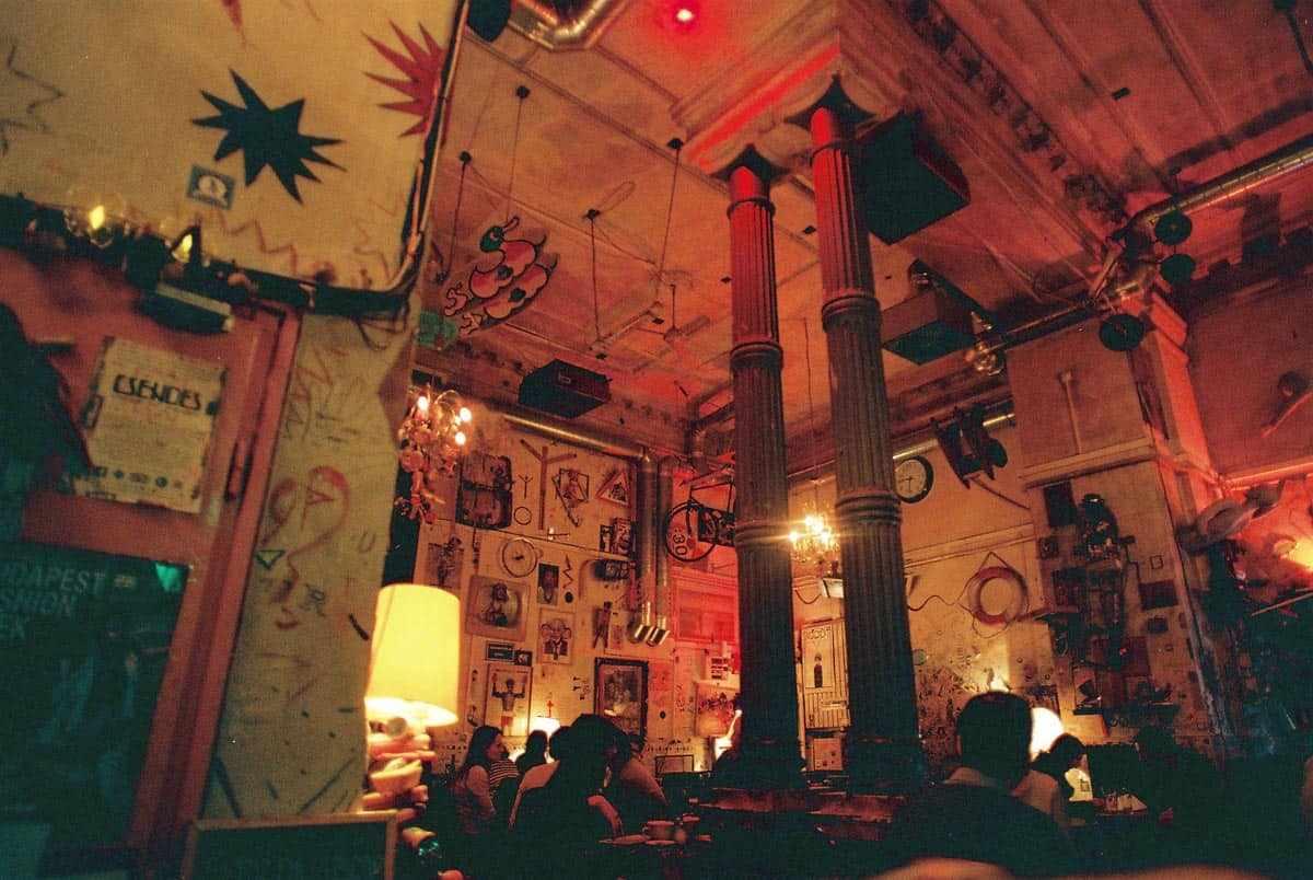 csendes ruin pub budapest