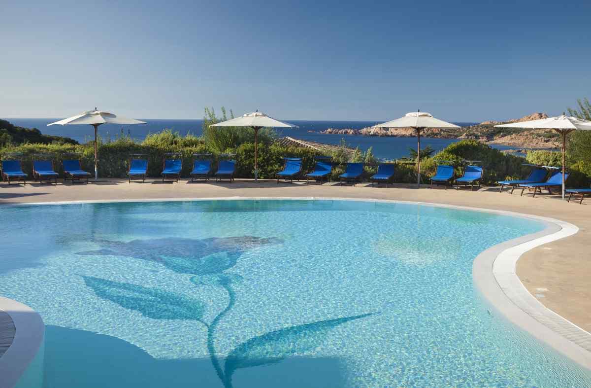 hotel marinedda piscina