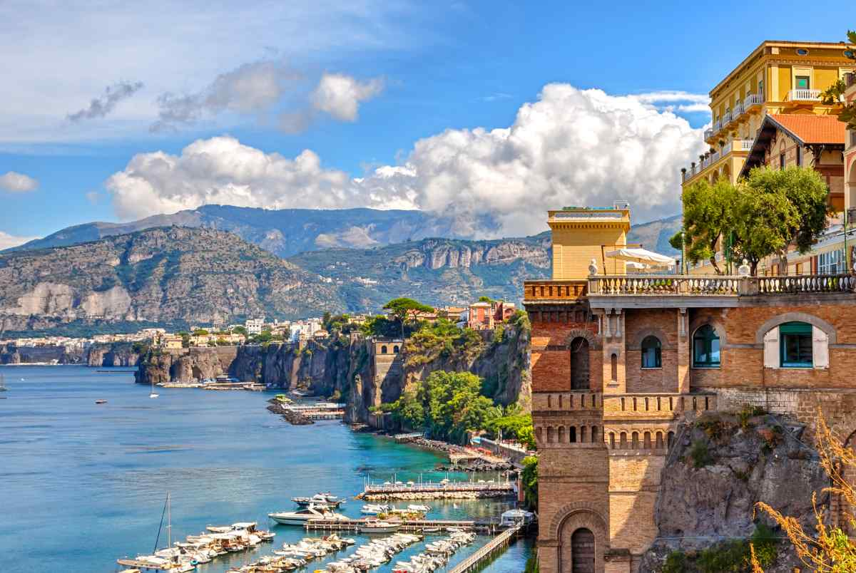dove alloggiare Napoli con la macchina Sorrento